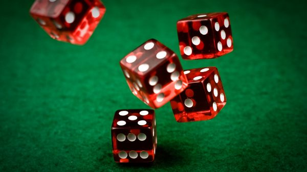 Roll the dice - Commune Writers